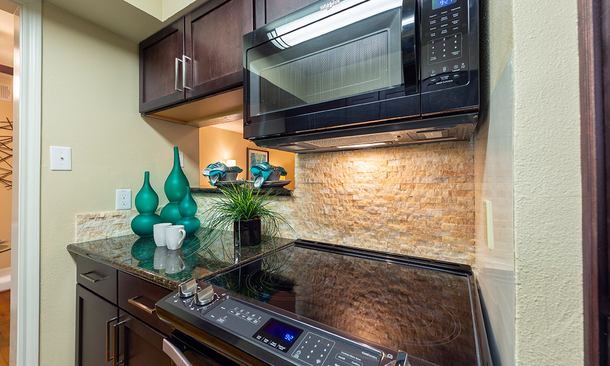 Kitchen | Colony Oaks Apartment in Bellaire Houston